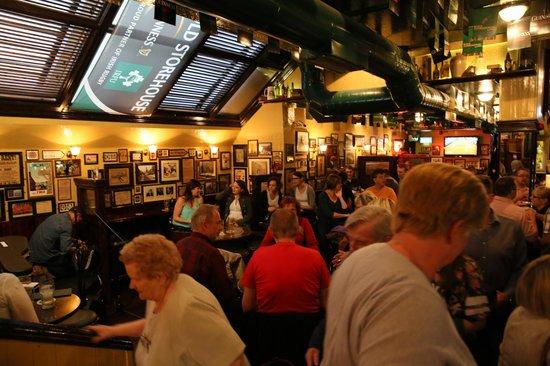 The Old Storehouse Bar & Restaurant: 2