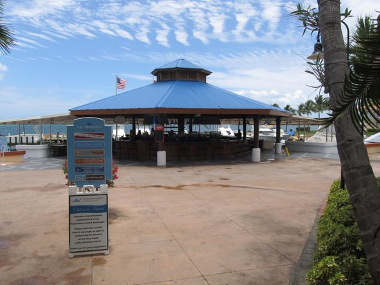 Ballyhoo Bar and Grill : View of the Restaurant