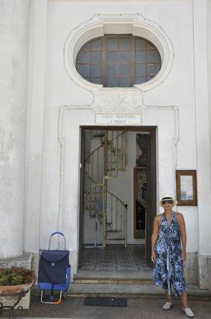 Chiesa San Michele: Por aqui se entra a San Michele