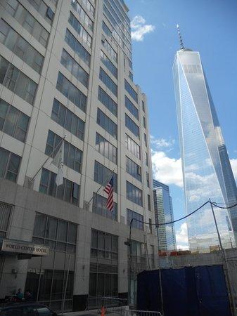 World Center Hotel : Hotel and One World Trade Center