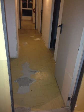 Tryp Malaga Guadalmar Hotel: Un couloir.....