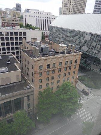 Kimpton Hotel Monaco Seattle : view by day
