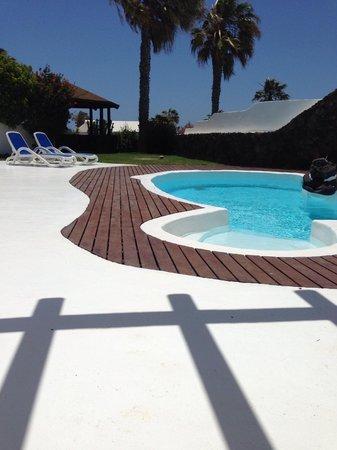 Heredad Kamezi Villas : Sea-water pool