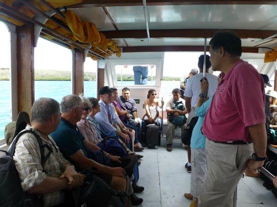 Canal de Itabaca : Inside the open air boat