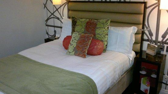 Hotel Indigo London-Paddington: Bed in room 504