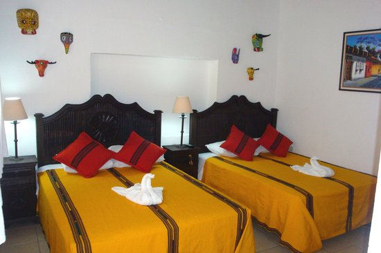 Hotel Las Camelias Inn : Rooms with lots of light