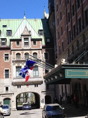 Upper Town (Haute-Ville): cute entrance to the Chateau Frontenac