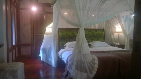Arusha Coffee Lodge: cama
