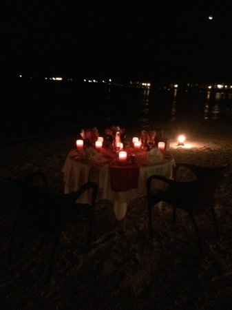 InterContinental Bora Bora Resort & Thalasso Spa : Private dinner on the beach