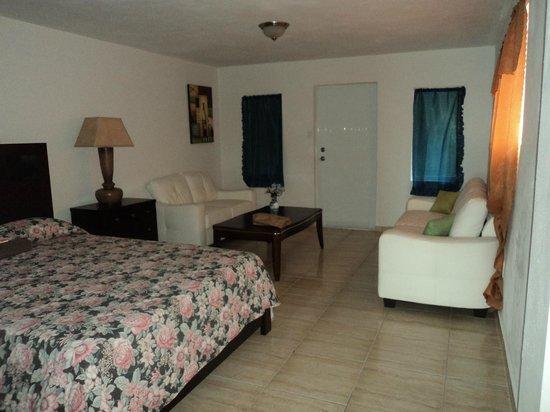 Hotel Colombus: la mitad del cuarto, bellisimo y espacioso