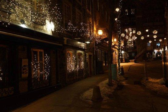 Old Quebec: Festive Lights