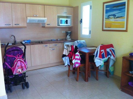Broncemar Beach: Room