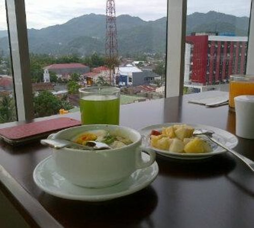 Maqna Hotel : restoran