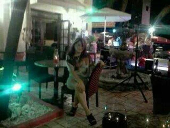 Mia Bella Roma: Este lugar es buena para una noche romantica con tu pareja , aqui quedaron muchos recuerdos muy
