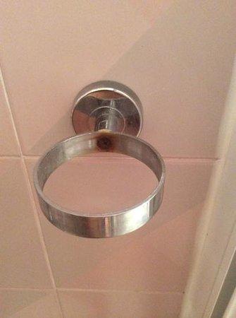 Club Hotel La Vela: portasapone nella doccia