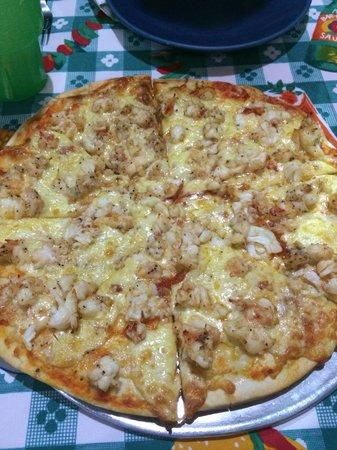 Pizzeria Edelyn: Pizza de langosta! Buena y exitosa idea!