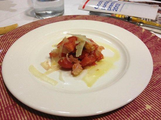 La Bettola: Panzanella con olive