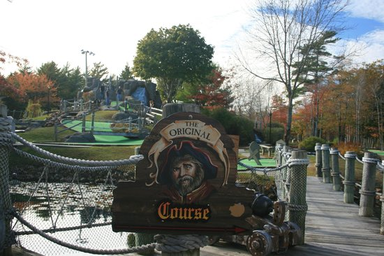 Pirate's Cove Miniature Golf: Original Course
