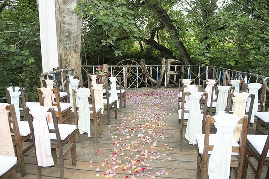 Rivertrees Country Inn: Ceremony on the River deck