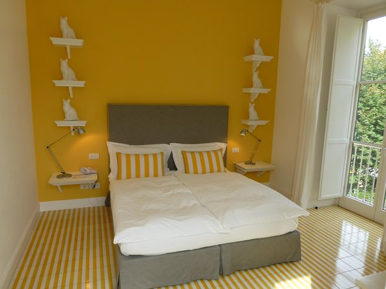 Palazzo Jannuzzi Relais: Comfortable bed!