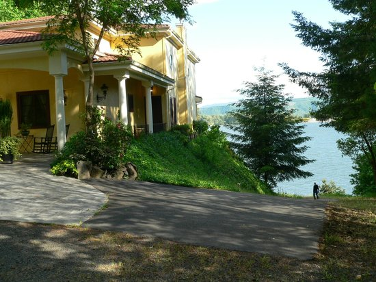 The Villa at Little Cape Horn : The Villas on Columbia