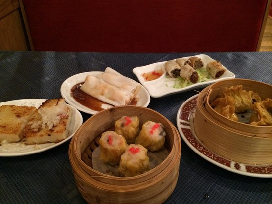 Yangtze River Chinese Restaurant: Selection of Dim Sum. Sorry some dishes are half eaten... Was too tempting to wait for all of th