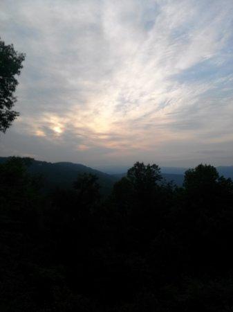 Alpine Inn: Morning view