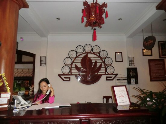 Lotus Hoi An Boutique Hotel & Spa: The front desk