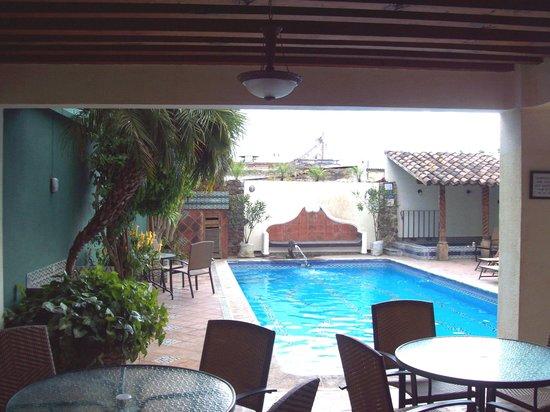 Hotel Casa del Parque : breafast area with a view