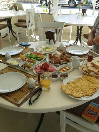Summer Garden Apart Hotel: food mmmmmmmmmm