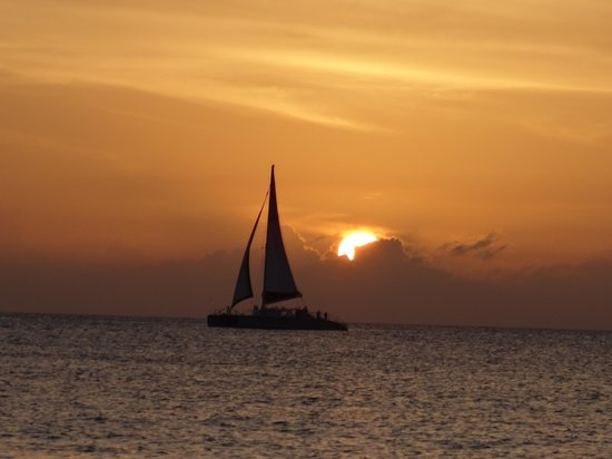 Grand Cayman Marriott Beach Resort: Sunset on 7-mile beach