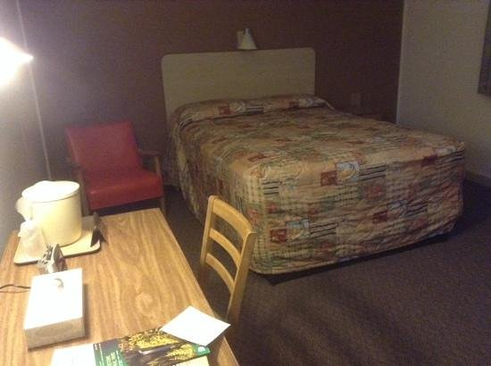 Canyon Village Campground : single room