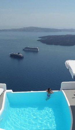 Chromata Hotel: piscina
