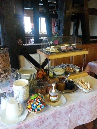 Emmebuckel : buffet petit déjeuner très sympa
