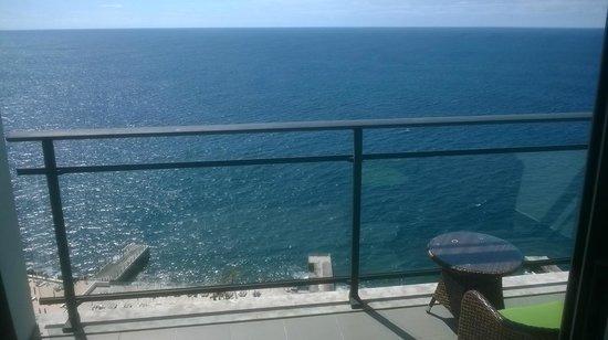 VidaMar Resort Hotel Madeira: Our rooms balcony