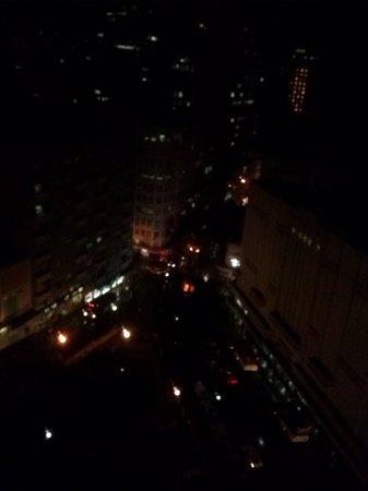 Plaza Porto Alegre Hotel : meia noite vista do apto 1003