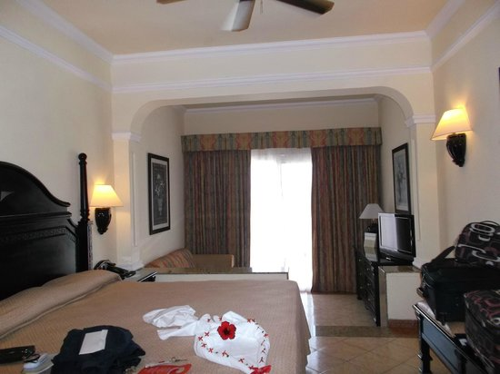 Hotel Riu Palace Punta Cana : Room was large and spacious with 5x7 balcony