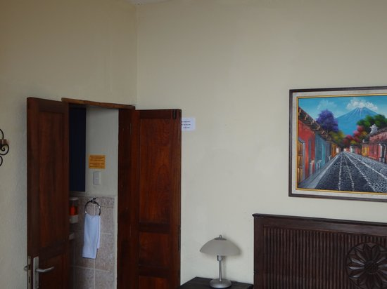 Hostal Antigua: all rooms & dorms has its own private bathroom in the room