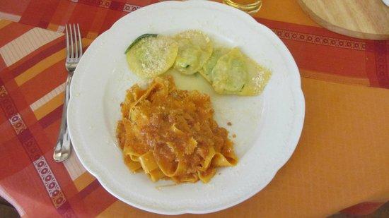 Locanda al Pozzo Antico : Ravioli with butter and sage and pancetta Ragu over Pappardelle