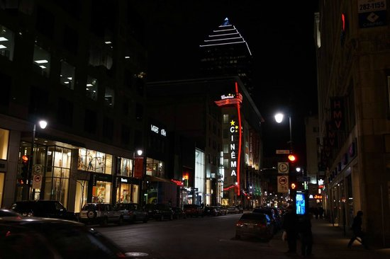 Rue Ste.-Catherine : More Night Life