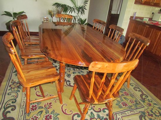 Belize Wood Works Ltd.: Dining Table with Chairs out of Jobillo
