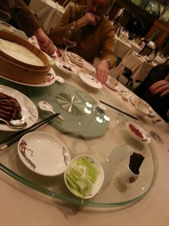 Renaissance Hong Kong Harbour View Hotel : cuisine du restaurant de l'hôtel