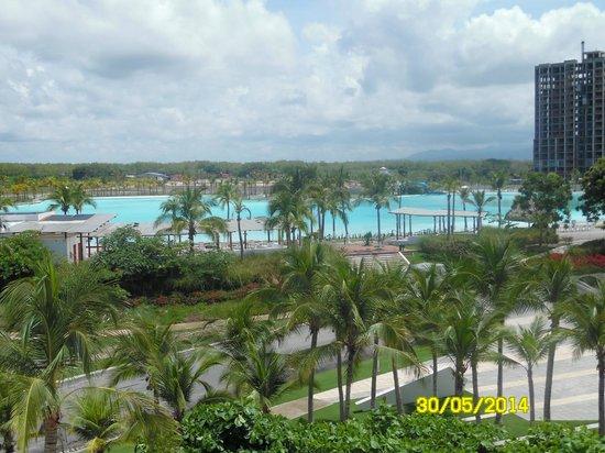 Hotel Playa Blanca Beach Resort: piscina gigante