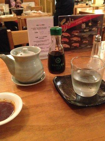 NADA Sushi Restaurant INC : foto da mesa