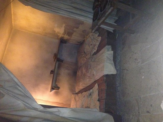 Thackray Medical Museum: Beds in an invalid asylum