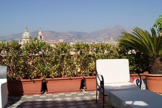 Ambasciatori Hotel: detalle terraza