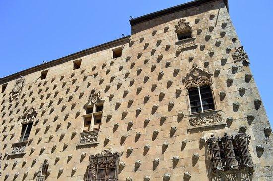 Centro histórico de Salamanca: Casa de las Conchas, siglo XV.
