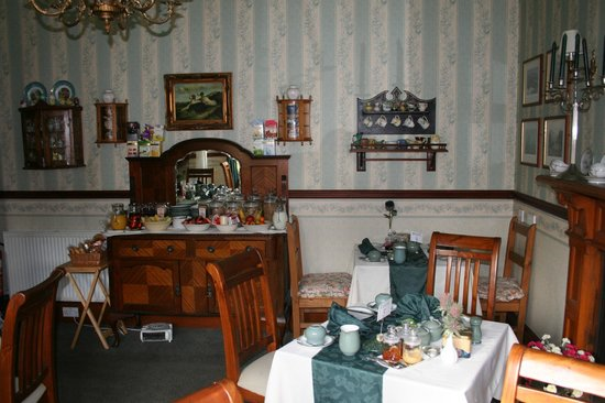 Melrose Villa: Breakfast area