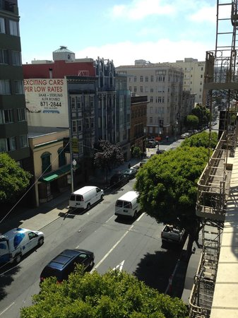 Hotel Vertigo: View of Sutter Street from the 4th Floor