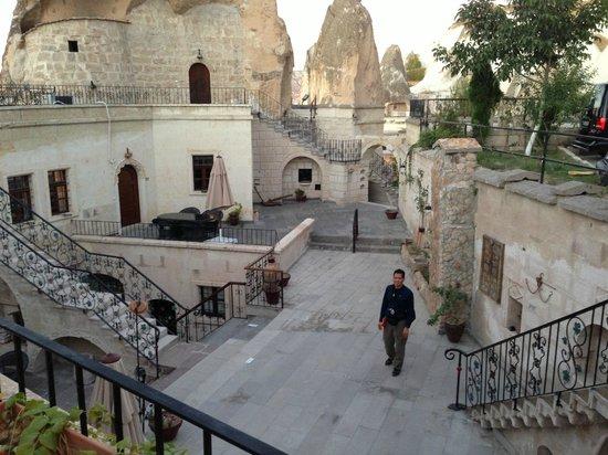 Cappadocia Cave Suites: Hotel grounds